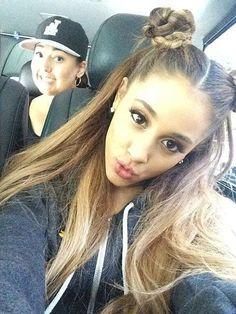 ariana grande hair 2014 braided buns Plus Ariana Grande Fotos, Ariana Grande Outfits, Cabello Ariana Grande, Ariana Grande Hair Color, Ariana Grande Hairstyles, Ariana Grande Hair Tutorial, Braided Bun Hairstyles, Cute Hairstyles, Braided Buns