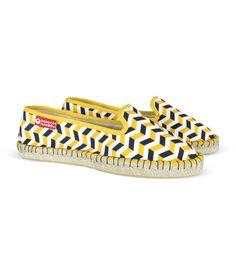 Alpargatas originales de diseño estilo mocasín de esparto para mujer online #alpargatas #espadrilles #moda #mujer #woman #women #fashion #primavera #verano #spring #summer #trends #tendencias #tendencia #hipster #handmade #love #vintage #retro #urban #chic #boho #estilo #calzado #zapatos #footwear #design #diseño #regalo #españa #esparto #yute #new #collection #outlet #esparto #yute #shoes #decoradas #cordones #plataforma