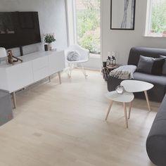 Cozy Living Rooms, Living Room Grey, Living Room Interior, Cozy Reading Corners, The Way Home, Home Entertainment, White Decor, White Walls, Interior Inspiration