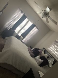 Room Design Bedroom, Room Ideas Bedroom, Bedroom Decor, Teen Bedroom, Bedrooms, Decor Home Living Room, Teen Room Decor, First Apartment Decorating, Aesthetic Room Decor
