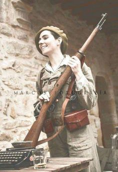 Antique Soldier Spain woman girl with a rifle fighter War Photo Z - Women In History, World History, World War, Military Women, Military History, Spanish War, Nazi Propaganda, Warrior Girl, Female Soldier