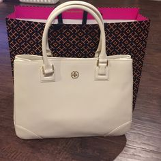"""New Tory Burch Tote New with tags 100% authentic Tory Burch large ivory tote. 12""""(H) x 16""""(L) x 5.5""""(D). Tory Burch Bags Totes"""