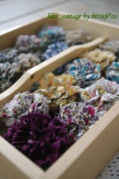 裂き布ポンポン&コサージュの作り方|ソーイング|編み物・手芸・ソーイング|アトリエ
