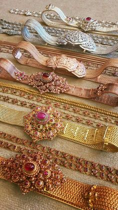41 ideas for jewerly wedding indian jewels Indian Wedding Jewelry, Bridal Jewelry, Wedding Belts, Vaddanam Designs, Traditional Thai Clothing, Thai Wedding Dress, Waist Jewelry, Thai Dress, Jewellery Sketches