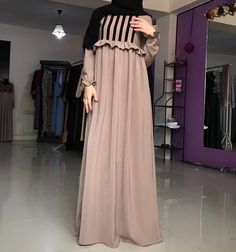 Moslem Fashion, Niqab Fashion, Modern Hijab Fashion, Muslim Women Fashion, Islamic Fashion, Fashion Dresses, Hijab Style Dress, Modele Hijab, Mode Abaya