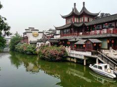 Fu Zi Miao area along the Qinhuai River. Nanjing. China