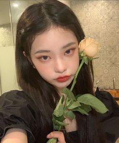 Aesthetic Couple, Aesthetic Girl, Ulzzang Korean Girl, Cute Korean Girl, Cute Makeup, Makeup Looks, Asian Eye Makeup, Korean Girl Fashion, Asian Eyes
