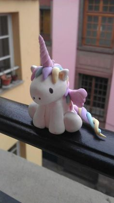 DIY  polymer clay unicorn - gonna try this with fondant :)