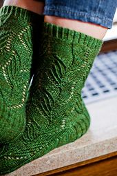Ravelry: Narcissus pseudo-narcissus Sock pattern by Hunter Hammersen