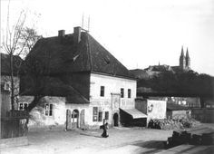 Podskalská celnice na Výtoni « Katalog « Muzea Old Pictures, Old Photos, Heart Of Europe, History Photos, Czech Republic, Environment, Future Tech, In This Moment, Architecture