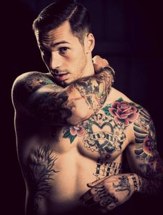 Symbole protection tatouage modele de tatouage tatouage torse ou tattoo bras cool