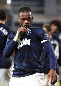 Man United 13/14 away kit - Evra.