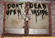 funny-food-photos-the-walking-dead-cake by deedeesteedman, via Flickr