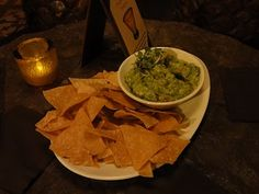 Guac and chips at Cava del Tequila, EPCOT on mousechow.com