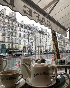Find images and videos about food, aesthetic and city on We Heart It - the app to get lost in what you love. Parisian Cafe, Parisian Apartment, France, Adventure Is Out There, Dream Life, Architecture, Places To Go, Beautiful Places, Photos