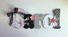 Nome em MDF, decorado em papel de scrap.  Pode ser utilizado para decorar quarto, porta de maternidade e festa infantil.  Fazemos nas cores e tema desejados R$ 56,00