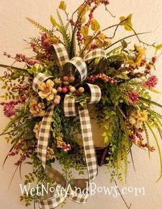 Diy Fall Wreath, Autumn Wreaths, Burlap Wreaths, Spring Wreaths, Wreath Crafts, Door Wreaths, Christmas Candle Decorations, Fall Decorations, Flower Structure