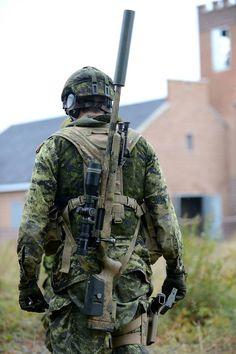 gunrunnerhell:  Sniper A Canadian sniper