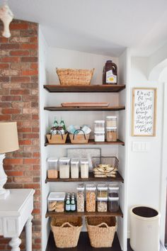 DIY Open Pantry Makeover + Organizing and Storage Ideas - Cottage kitchen with o. DIY Open Pantry Makeover + Organizing and Storage Ideas - Cottage kitchen with open shelves - Diy Kitchen Shelves, Kitchen Pantry Design, Pantry Shelving, Kitchen Island Decor, Kitchen Tops, New Kitchen, Open Shelves, Pantry Storage, Pantry Organization