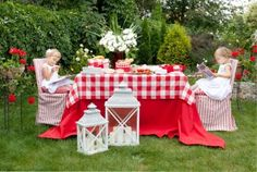 Girls in the garden. Damask Tablecloth, Round Tablecloth, Tartan Material, Picnic Blanket, Outdoor Blanket, Damask Rose, Burlap Table Runners, Fresh Image, Picnic Time