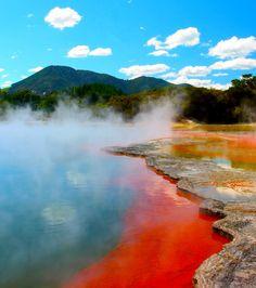 La beauté du lac Rotorua en Nouvelle-Zélande est époustouflante
