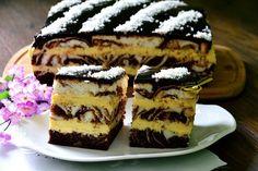 z cukrem pudrem: ciasto łaciate z masą sernikową