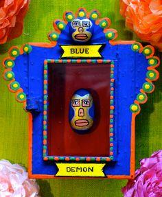 Mexican devotional art: the nicho.©Mexico Import Art