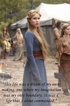 Rebekah Mikaelson (Claire Holt) in her 'The Originals' Blue Medieval Viking Gown (Flashback) Viking Dress, Viking Costume, Medieval Costume, Medieval Dress, Medieval Clothing, Medieval Girl, Medieval Gothic, Medieval Princess, The Vampire Diaries