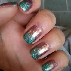 See more about manicure, inspiration and nails. Teal Nails, Rose Gold Nails, Sparkle Nails, Gold Acrylic Nails, Wedding Nails For Bride, Bride Nails, Prom Nails, Wedding Makeup, Cute Nails