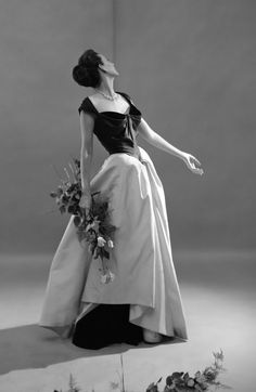 Model Dorian Leigh in a Charles James gown, 1948.