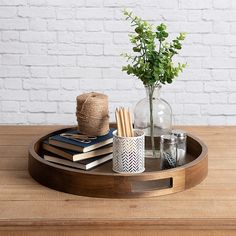 Kate And Laurel Hutton Round Wood Tray In Brown
