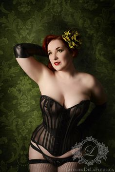 Oh my god: Sheer overbust corset with black casings and waist yoke, and lacy crystal pasties by L'Atelier de LaFleur. Hair flower by Amber Ray Accoutrements Steam Punk, Harem Girl, Corset Costumes, Vampire, Overbust Corset, Boned Corsets, Lovely Legs, Curvy Models, Cosplay