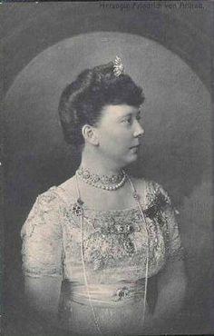 Sophie Marie Luise Amelie Josephine (Baden-Baden 26 Jul 1865-Baden-Baden 29 Nov 1939); m.Karlsruhe 2 Jul 1889 Friedrich, Duke of Anhalt (Dessau 19 Aug 1856-Schloß Ballenstedt 21 Apr 1918)