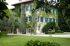 ! This Italian country manor was once an 18th-century spinning mill, Friuli house, designed by architect Michele Bonon and Florentine