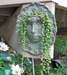Goddess face planter for a wall Face Planters, Flower Planters, Ceramic Planters, Garden Planters, Flower Pots, Garden Statues, Garden Sculpture, Succulent Wall, Cactus Y Suculentas