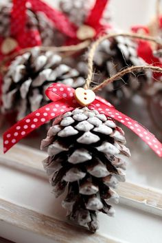 Karácsonyi toboz díszek (SamySeven) - Meska.hu: