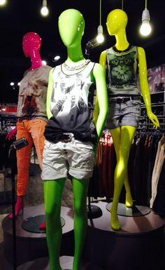 Outfit der Woche! Shorts: Please - Top: One Green Elephant - Kette: Pieces - Gürtel: Cowboysbelt #fashion www.mensing.com