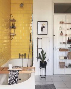 Sorry for the throwback guys but I love a bit of yellow to brighten up Monday mornings  and I have to admit my family bathroom is not as    #sweethome #sweethomeideas #sweethomedecoration #sweethomedecor #sweethomedecorideas Bad Inspiration, Bathroom Inspiration, Bathroom Ideas, Bathroom Modern, Bathroom Renovations, Small Bathroom Interior, Bathroom Goals, Industrial Bathroom, Bathroom Layout