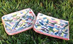 bandejas de cerámica pintadas a mano.
