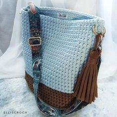 """New Cheap Bags. The location where building and construction meets style, beaded crochet is the act of using beads to decorate crocheted products. """"Crochet"""" is derived fro Crochet Backpack, Crochet Tote, Crochet Handbags, Crochet Purses, Diy Bags Purses, Diy Purse, Diy Handbag, Crotchet Bags, Knitted Bags"""