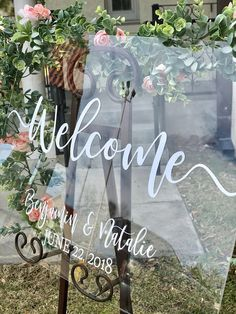 Clear Glass Look Acrylic Wedding Welcome Sign, 18x24 Personalized Modern Wedding Welcome Sign Decoration for Display, Custom Wedding Sign