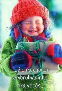 """""""Que a alegria das coisas mais simples ... te tragam o brilho de sorrisos intensos ... de felicidades compartilhadas com amor e verdade ... que a nossa fé seja hoje ainda mais forte ... e que haja harmonia e paz dentro dos nossos corações ...Feliz Natal"""
