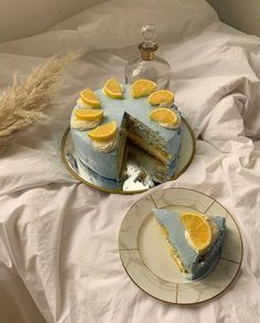 Pretty Birthday Cakes, Pretty Cakes, Funny Birthday Cakes, Think Food, Cute Desserts, Just Cakes, Cafe Food, Aesthetic Food, Aesthetic Outfit