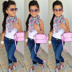 "::girls like her::""hewo! I'm clarwissa(clarissa)""I giggle and smile""I'm this many "" I hold up four fingers ""my Dada is da (the) mayor! I wike (like) fachion(fashion) and shopping! my dada always helps me wif (with) my outfits! arwi(ari) is my sissy, but I'm sad dat (that) she's missing and I miss her. cam is my broder (brother). dats (that's) it about me! Come say hi?"""