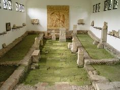 In Ptuj (Pettau) at Zborn Breg (Zgornji Breg / Ober-Rann) Mithraeum III was discovered in 1913 between Roman villas which are situated between the Brunnwasser and the Pragerhoferstreet. The finds are preserved in the sanctuary.