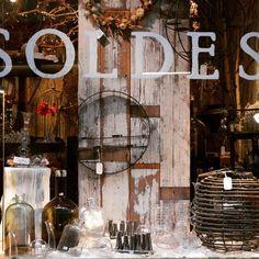 BON PLAN DU JOUR A PARTAGER : Chez Vertumne aussi c'est l'heure des soldes ! Venez vite découvrir nos objets déco a prix mini : vases & accessoires de fin de collection, jusqu'au 21 février;-). #soldes2017 #soldes #sales #paris #bonplandeco #deco #fleuriste #