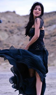 Shruti Haasan aka Shruti Hassan sexy pictures in black color frock dress http://photoshotoh.com/shraddha-kapoor-wallpapers/