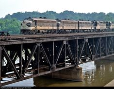 High quality photograph of Southern Railway EMD # SOU 4243 at Yadkin, North Carolina, USA. Railroad Bridge, Railroad Pictures, Railroad History, Southern Railways, Norfolk Southern, Railroad Photography, Train Pictures, Train Engines, Wallpaper Gallery