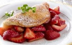 Omelet met aardbeien