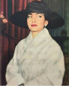 Maria Callas, La Divina. Pure glamour.